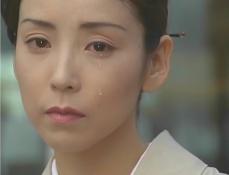 涙を流す凜子