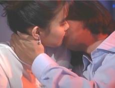 秋美にキスする宗互