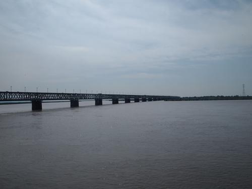 アムール川に架かるシベリア鉄道鉄橋(ハバロフスク)