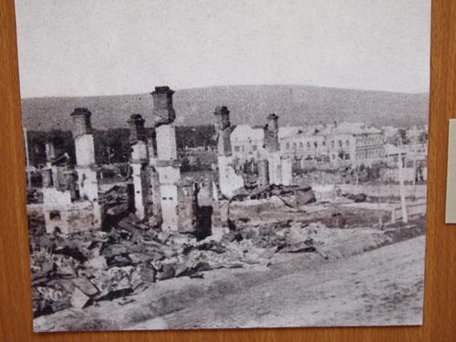 廃墟となった尼港の町(ニコラエフスク資料館所蔵)1920年当時