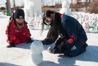雪祭りボランティア5970