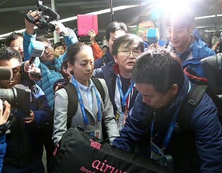 2月6日にソチ空港に到着した真央には韓国のメディアも殺到した