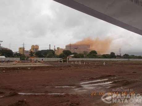 posco2月22日、製鉄所の敷地内から大きな爆発音が2回した。爆発の後、建物から煙が出たが、燃えるものはなかった。