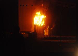 Api berkobar di salah satu pabrik COG PT Krakatau Posco yang diduga akibat ledakan