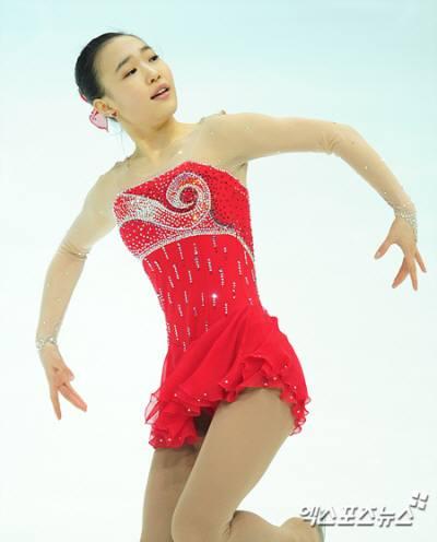 フィギュアスケートの世界選手権の女子シングルのフリーで、浅田真央ら世界の強豪選手を上回るGOE(出来栄え点) を獲得した韓国のパクソヨン