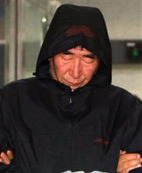 客船沈没事故で逮捕された船長のイ・ジュンソク容疑者(68)は、旅客船の船長経験が20年以上のベテランだった。しかし、事故後に客を残して真っ先に船から脱出