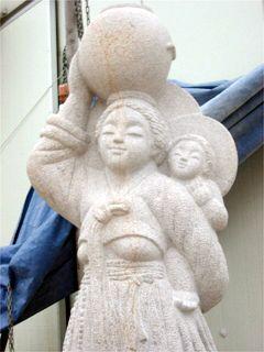 韓国の教会がバチカンに寄贈したマリア像