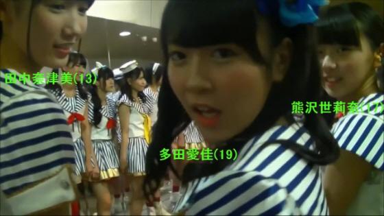 天皇発言をしたHKT48多田愛佳(19) 、右隣でバカ笑いしてるHKT48熊沢世莉奈(17) 、左隣で「愛佳様」発言をしたHKT48田中奈津美(13) 、動画を撮影・編集しgoogle+にあげたSKE48松村香織(23)