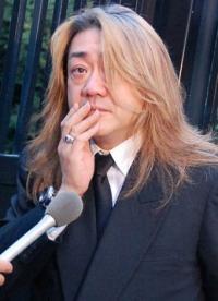 野村義男(よっちゃん)の激痩せぶりは異常だ.