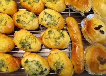 惣菜パン 0513 (350x251)