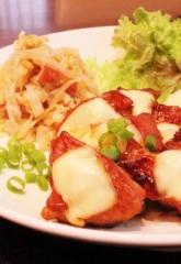 鶏もも肉の簡単甘辛照り焼きチーズのせ