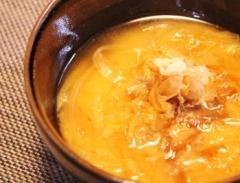 鰹節タップリ玉ねぎのお味噌汁 (350x267)