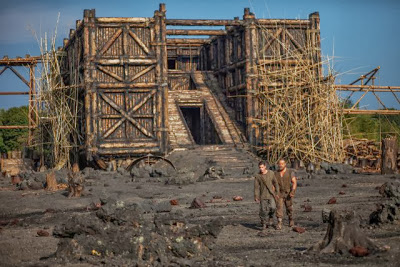 『ノア 約束の舟』 建物のように見えるのが箱舟。大がかりなセットだ。