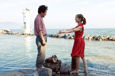 『3人のアンヌ』 2つ目のエピソード。不倫相手との再会。奥に見えるのが灯台なんだろうか?