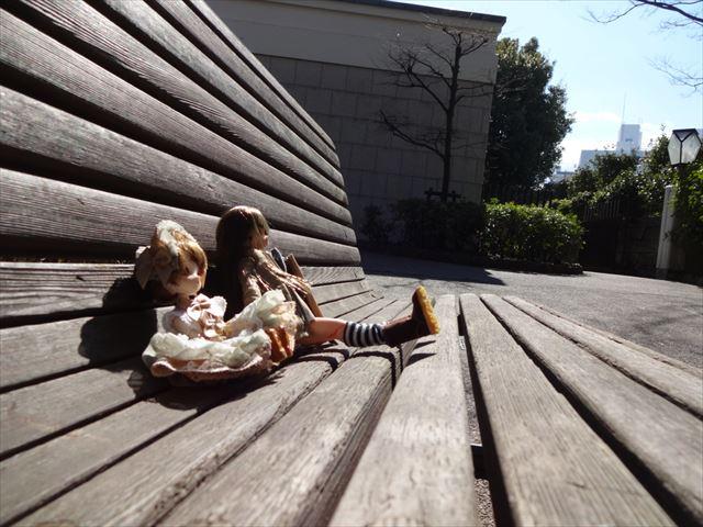 ベンチで一休み
