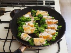 鶏むね肉の菜の花巻き30