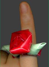 三角玉でバラ指輪04