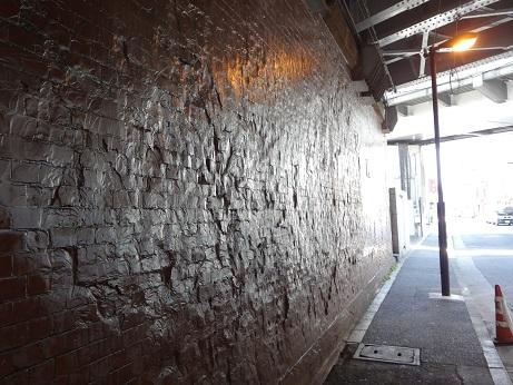 神田ガード煉瓦壁面