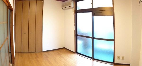 マンション藤川303号室洋室