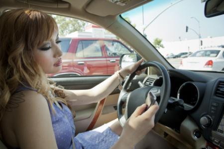 texting-driving_convert_20141014160308.jpg