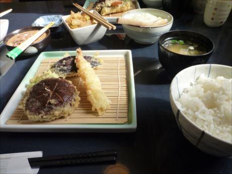 おすすめ定食in天ぷら定食 天家(千歳)少しずつ揚げ立てを出す_R_R