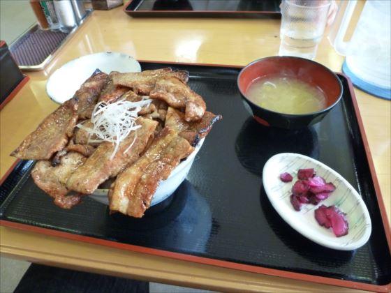 あつま豚丼特盛in厚真レストランこぶし_R