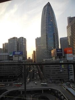 新宿西口3
