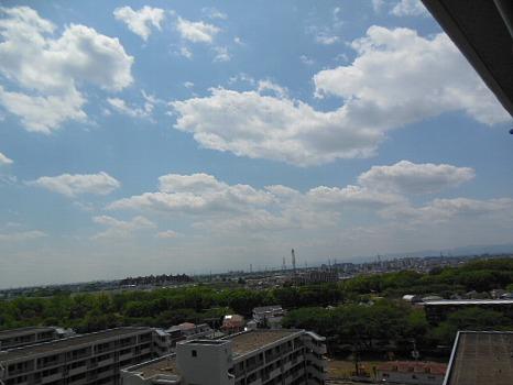 春の雲かや