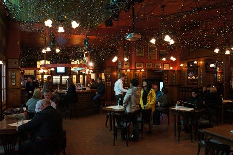 競馬場内のドイツ料理レストラン