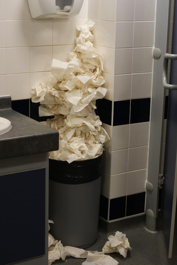 韓国 トイレ 紙 流さない