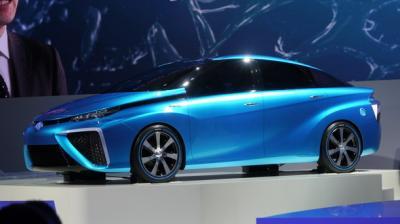 トヨタ 燃料電池自動車