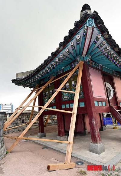韓国 世界遺産 東南角楼