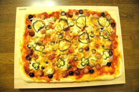 焼き上がったピザ