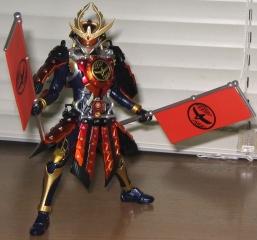 S.H.フィギュアーツ仮面ライダー鎧武カチドキアームズ(旗を持つ)
