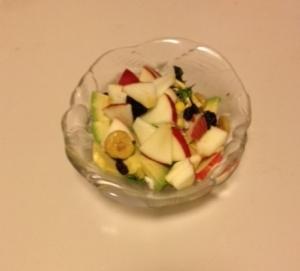 朝のフルーツサラダ