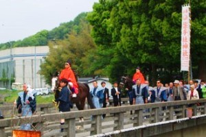 磐手杜神社で馬祭が行われます
