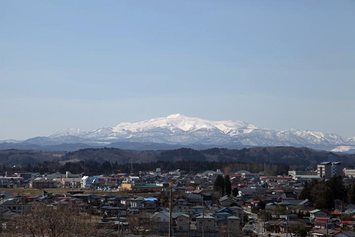 2014年4月1日 快晴の青空と栗駒山