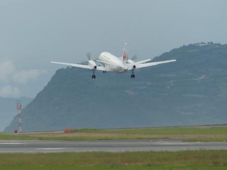 JAL 飛行機 (プロペラ機) 2