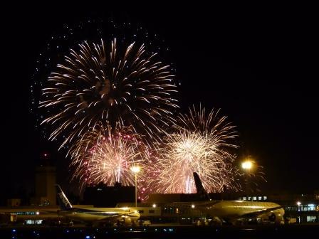 空港と花火 12