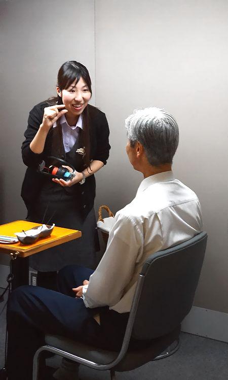 リオネットセンター新宿毎日新聞補聴器の日特集記事2