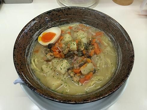 彩色ラーメンきんせい 交野店 (9)