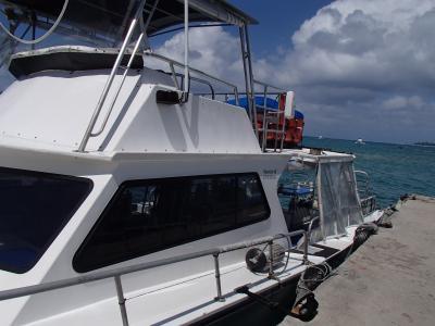 ボートと青い海
