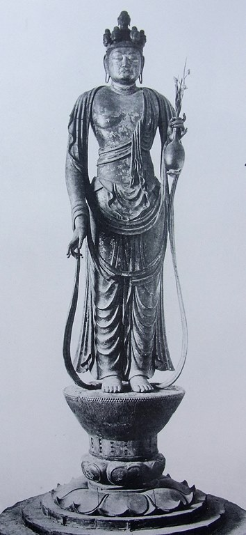奈良帝室博物館展示当時の聖林寺十一面観音像