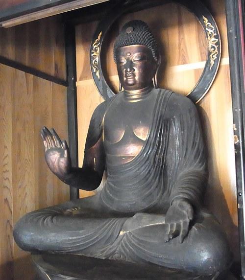 保福寺・釈迦如来坐像