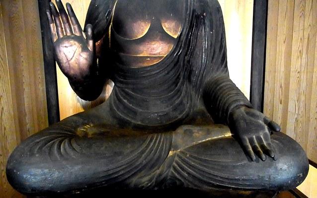 保福寺・釈迦如来坐像~衣文の彫口