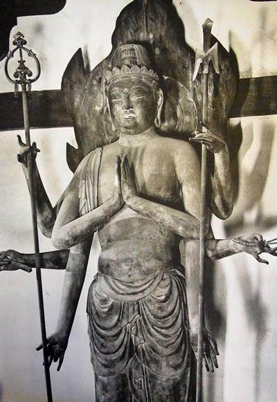 広隆寺・不空羂索観音像~奈良時代の乾漆像表現に倣った木彫像