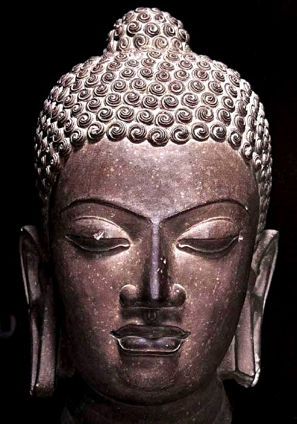 マトゥラー石仏釈迦像(グプタ朝時代・5世紀)