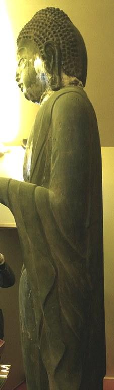 正傳寺・薬師像の側面観