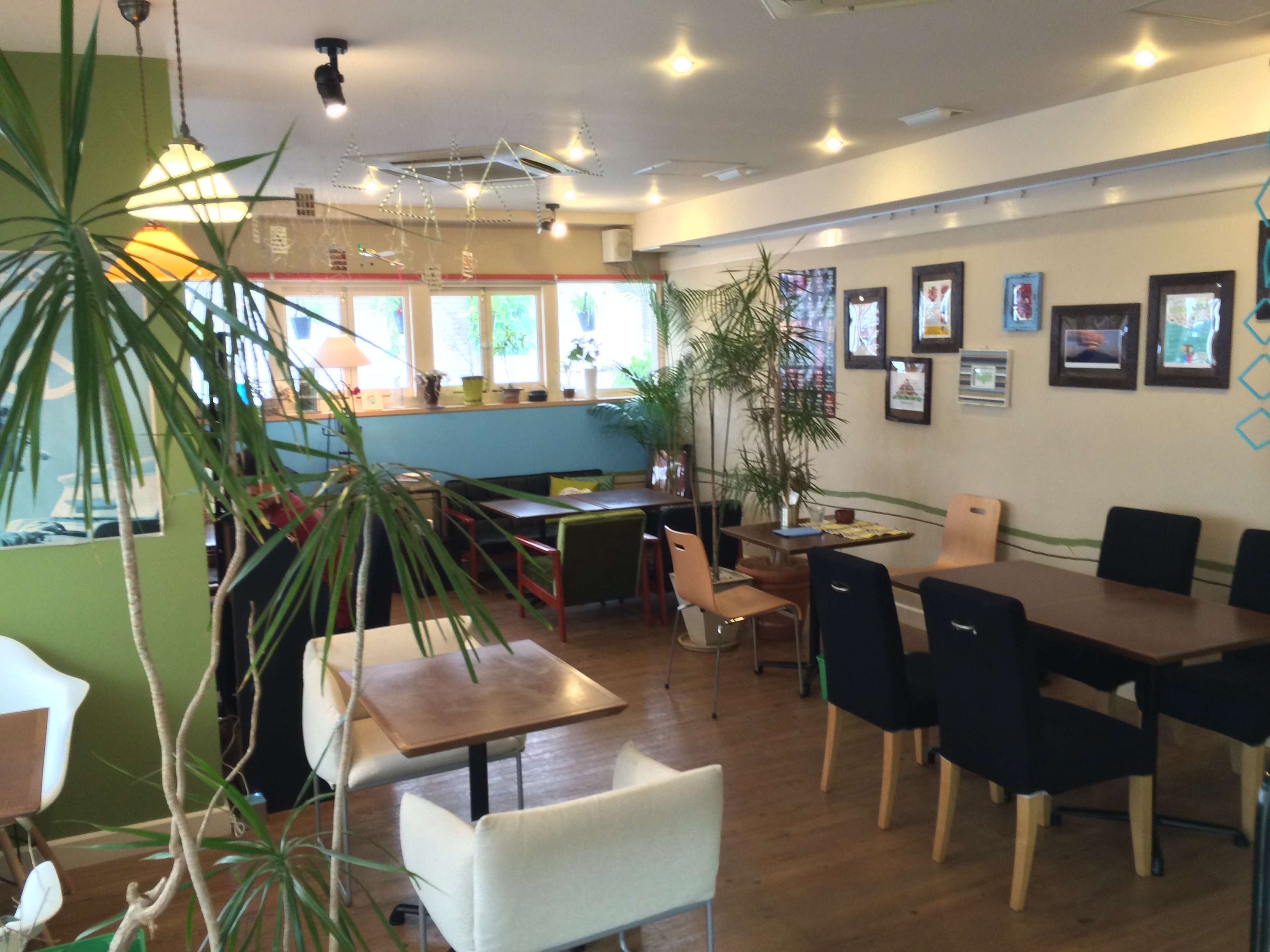 the pink weed cafe店内