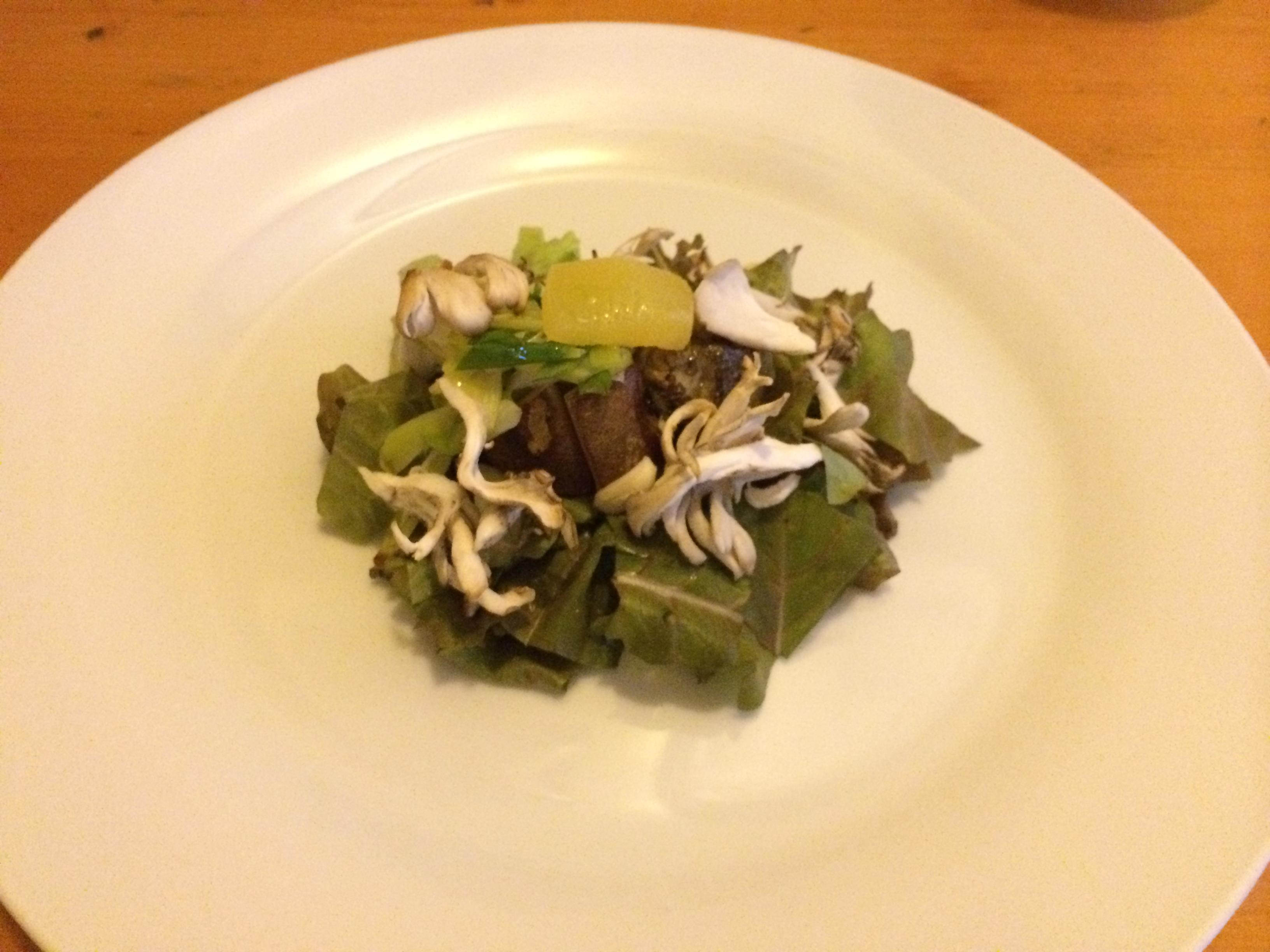 Bistro la fourchette生野菜と温野菜のサラダ